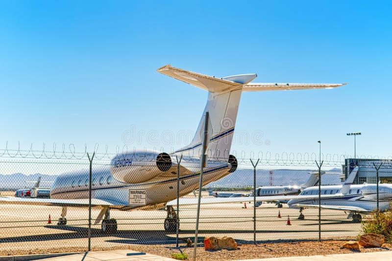 Aéroport de Las Vegas et le stationnement des jets commerciaux privés photographie stock