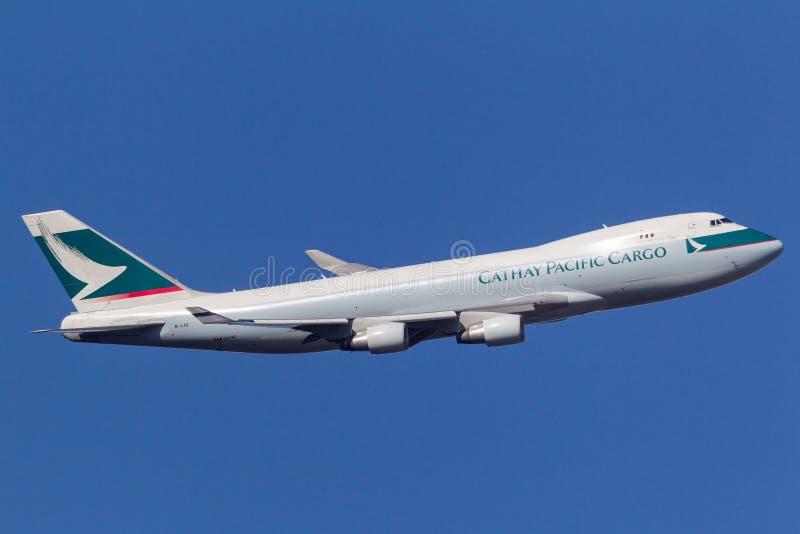 Aéroport international de départ de Boeing 747-467F/ER-SCD B-LID Melbourne de cargaison de Cathay Pacific Airways image libre de droits