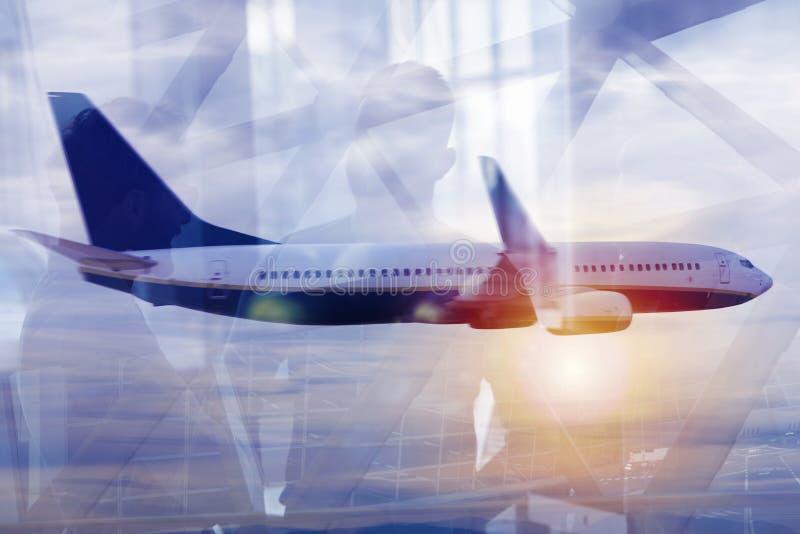Aéroport moderne avec des effets de tache floue Double exposition photographie stock libre de droits