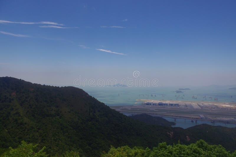 Aéroport par l'intermédiaire de Ngong Ping Trail sur l'île de Lantau image stock