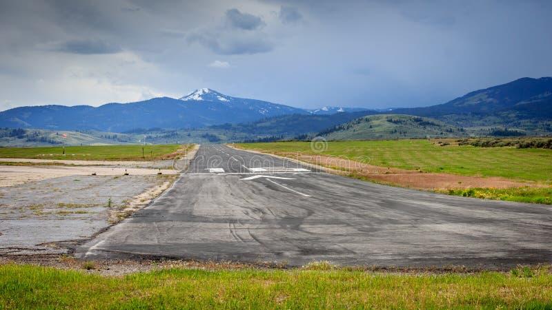 Aéroport rural de montagne image stock