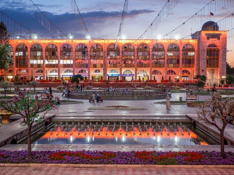 Ałunów Zbyt kwadrat w wieczór bishkek Kirgistan fotografia royalty free