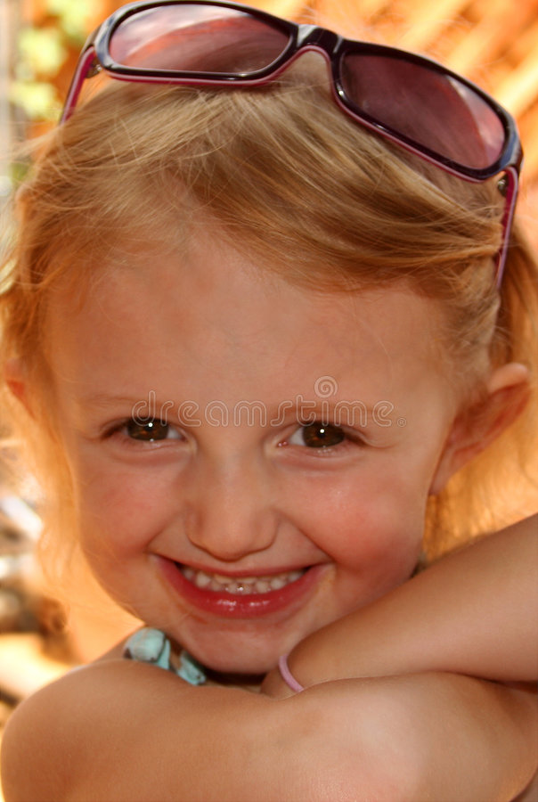 Free A Cutie In Sunglasses Stock Photography - 3098792
