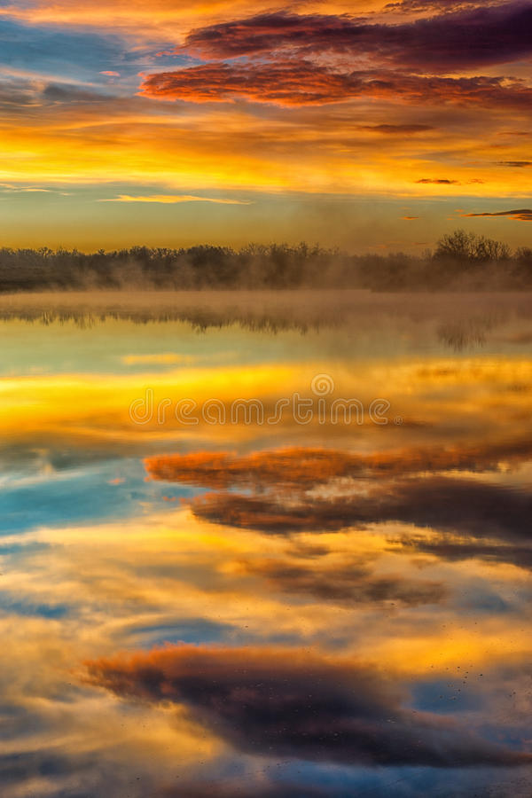 Free A Foggy Reflection Royalty Free Stock Images - 54729779