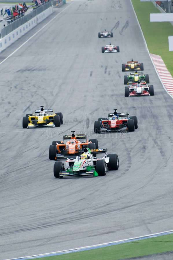 A1 Teams racing at the start of A1GP race.
