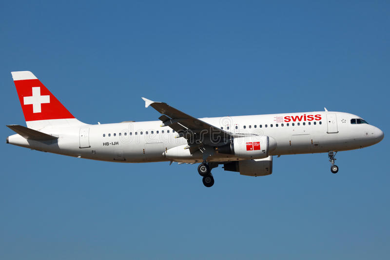 a320空中巴士瑞士 免版税库存照片