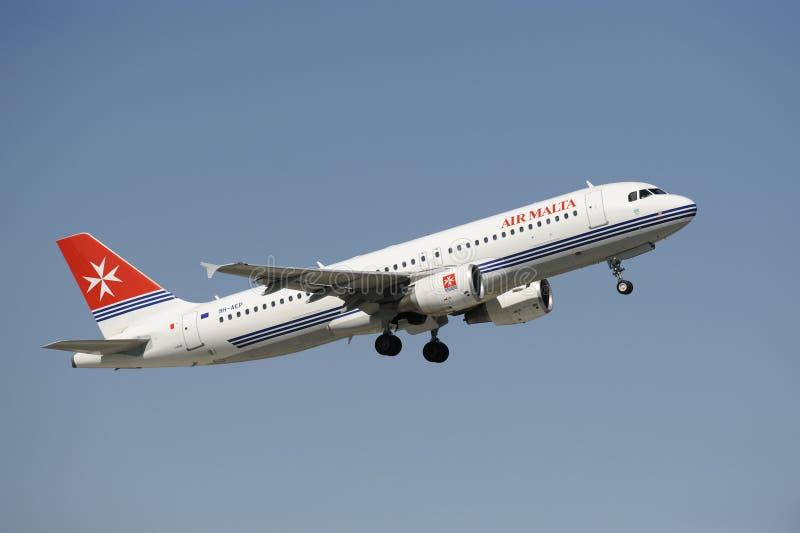 Download A320 αεροπλάνο airbus εκδοτική στοκ εικόνα. εικόνα από μηχανή - 13190064