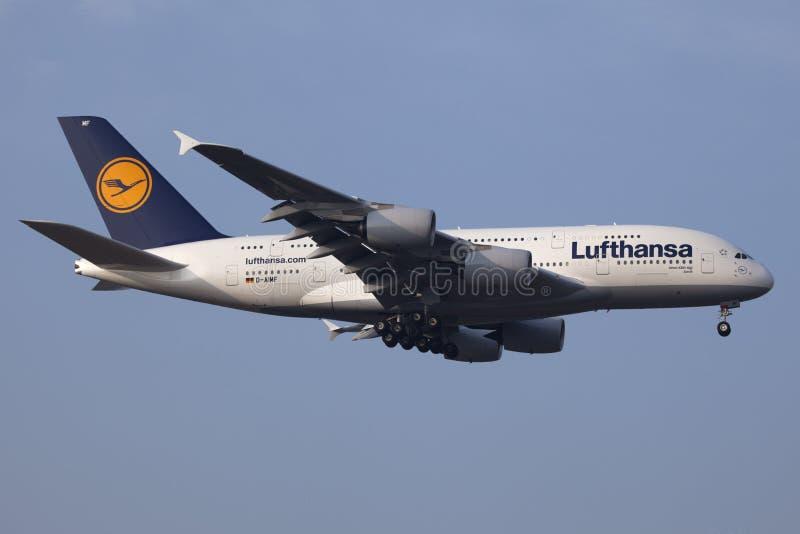 Download A380 Airbus Lufthansa obraz editorial. Obraz złożonej z samolot - 22626370