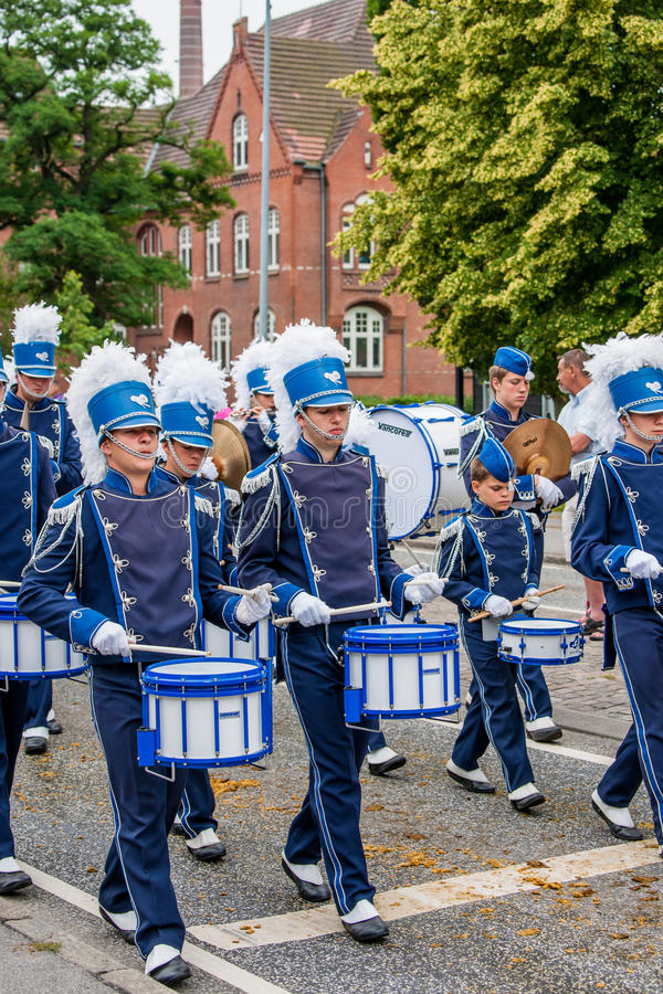 AABENRAA,丹麦- 2014年7月6日- :一次游行的Tambour军团在 免版税库存照片