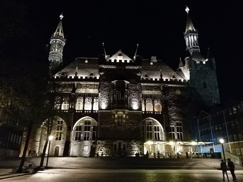 Aachen nachts deutschland lizenzfreie stockfotos