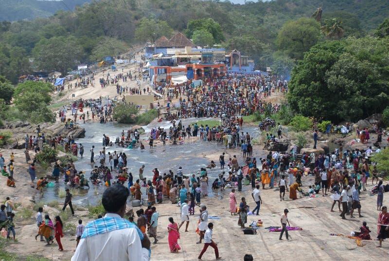Aadi amaavaasai节日papanasam tamilnadu印度 免版税库存照片