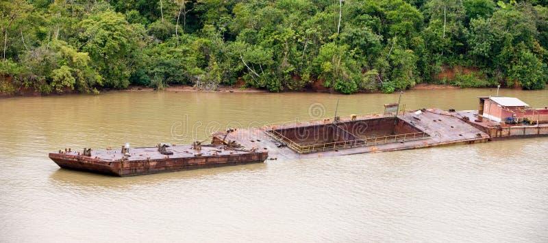 Aak in het Kanaal van Panama royalty-vrije stock afbeelding