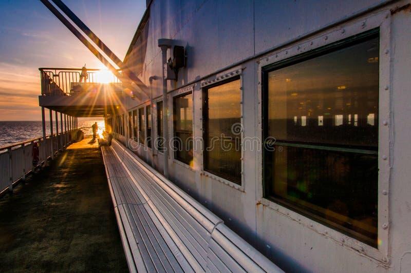 Aan boord van de Kaap Mei - Lewes-Veerboot, in de Baai van Delaware tussen Ne stock fotografie