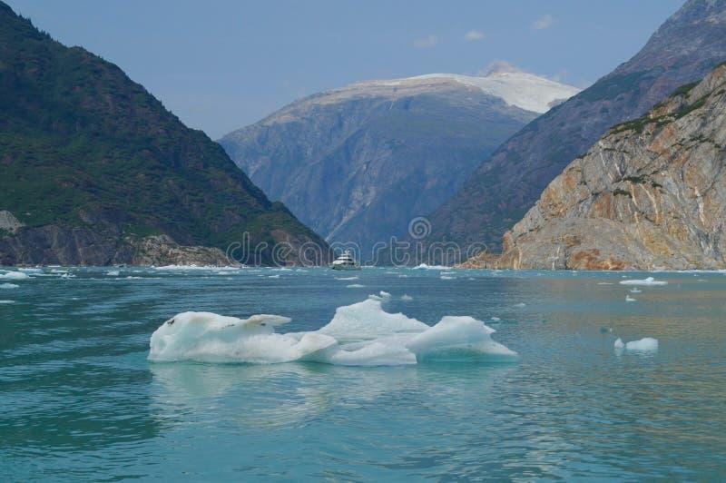 Aan het eind van de Fjord royalty-vrije stock fotografie