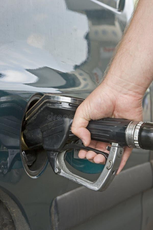 Aan tank op brandstof stock afbeelding