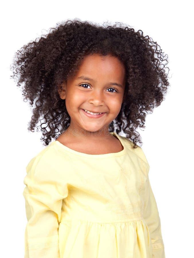 Aanbiddelijk Afrikaans meisje met mooie hairst stock fotografie