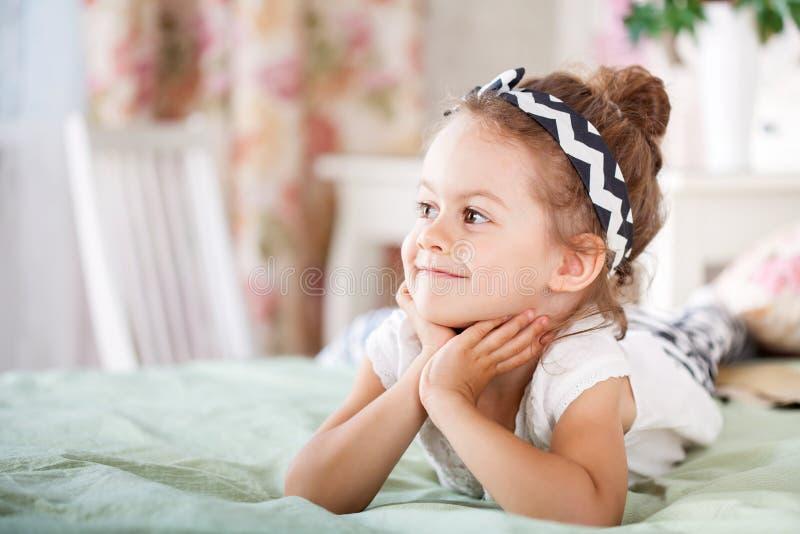 Aanbiddelijk Glimlachend Meisje royalty-vrije stock foto's