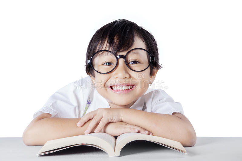 Aanbiddelijke student met een toothy glimlach royalty-vrije stock foto
