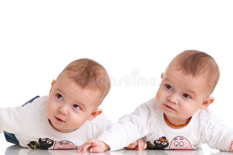 Aanbiddelijke tweelingen royalty-vrije stock fotografie