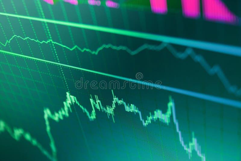 Aandelenprijscitaten Het concept van financiën Marktrapport over blauwe achtergrond Blauwe achtergrond met voorraadgrafiek royalty-vrije stock afbeeldingen