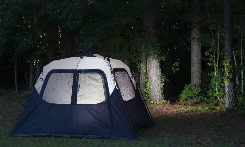 Aangestoken kampeerterrein stock foto