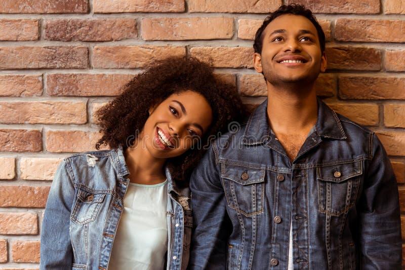 Aantrekkelijk Afro-Amerikaans paar stock fotografie