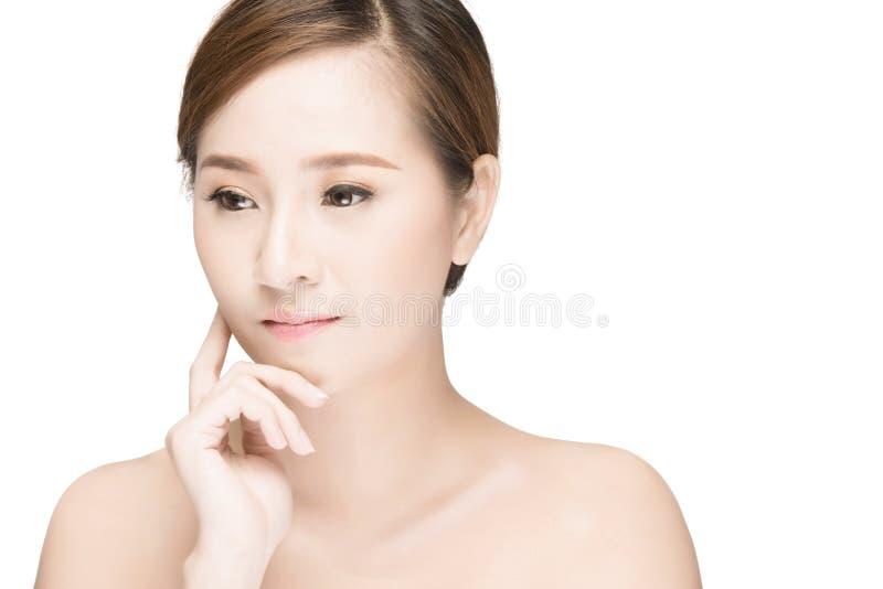 Aantrekkelijk Aziatisch de zorgbeeld van de vrouwenhuid stock foto's