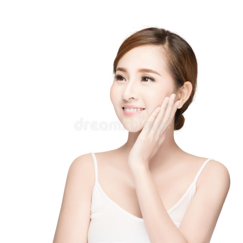 Aantrekkelijk Aziatisch de zorgbeeld van de vrouwenhuid op witte achtergrond royalty-vrije stock foto's