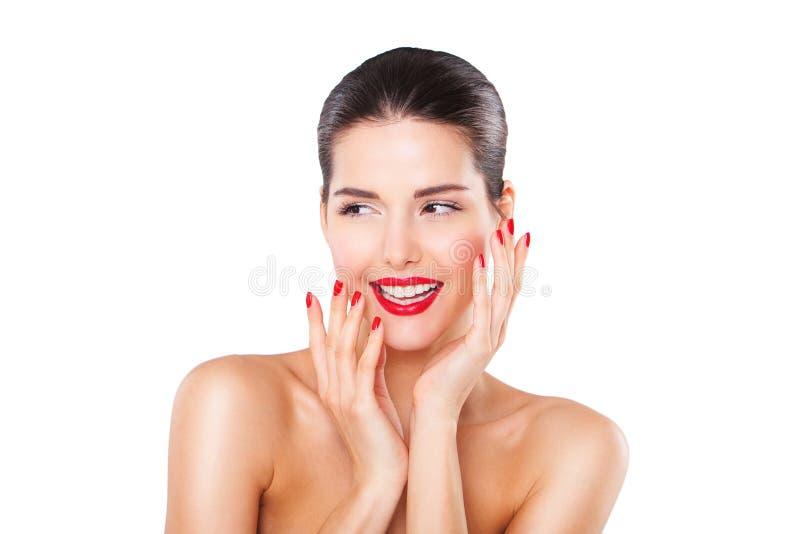 Aantrekkelijk het glimlachen gelukkig vrouwenportret op wit royalty-vrije stock afbeelding
