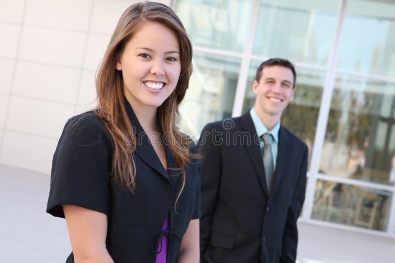 Aantrekkelijk man en van de Vrouw Commercieel Team stock fotografie