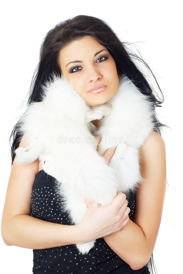 Download Aantrekkelijk Meisje Die Wit Bont Dragen Stock Foto - Afbeelding bestaande uit persoon, fantasie: 39102190