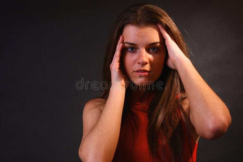 Aantrekkelijk meisje in het zachte licht royalty-vrije stock foto's