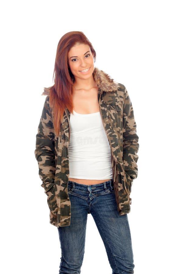 Aantrekkelijk meisje met militair stijljasje stock afbeelding