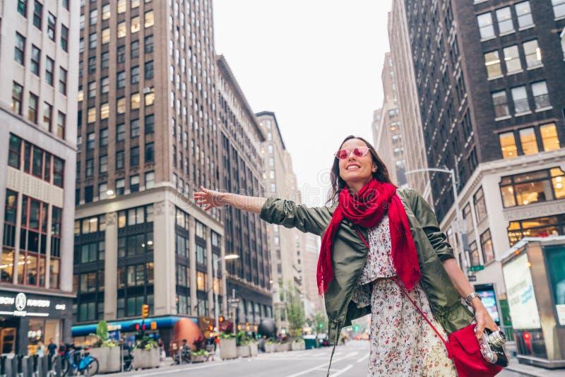 Aantrekkelijk meisje in New York stock afbeelding