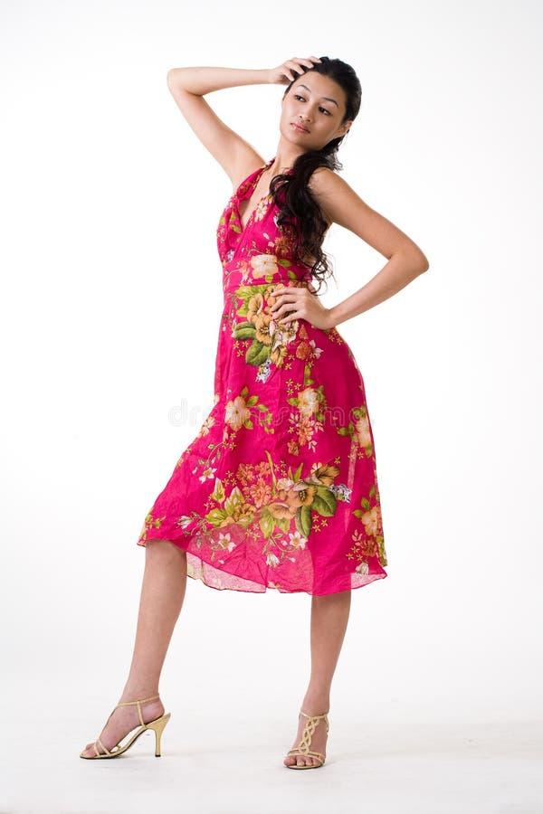 Aantrekkelijke Aziatische jonge vrouw royalty-vrije stock foto