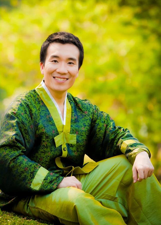 Aantrekkelijke Aziatische mens royalty-vrije stock foto's