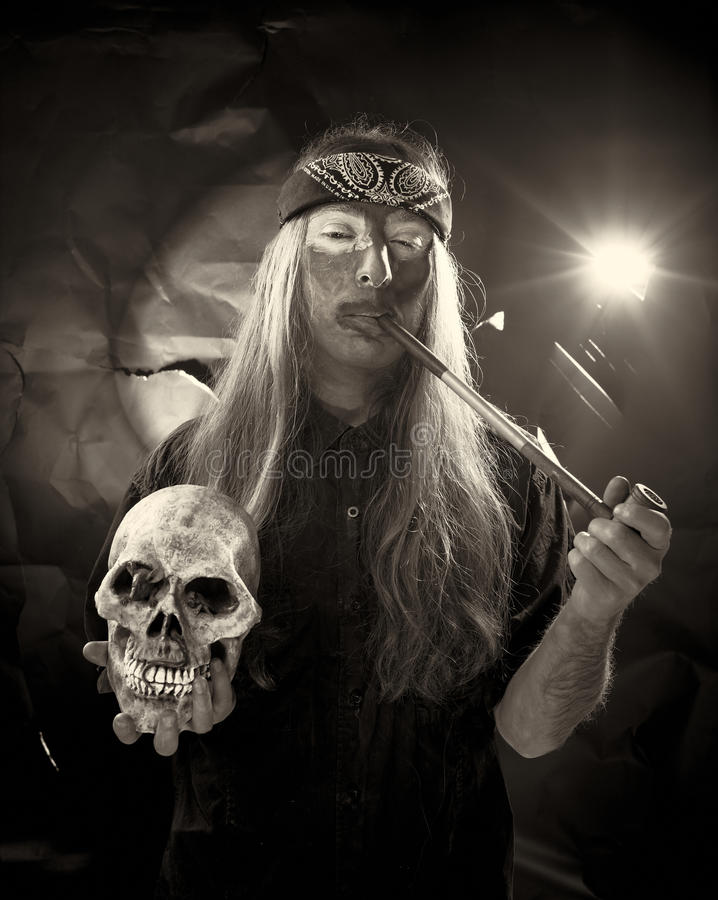 Aantrekkelijke hippie met bandana royalty-vrije stock foto's