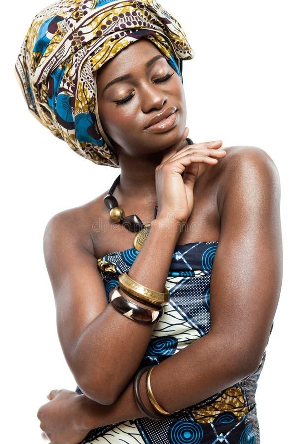Aantrekkelijke jonge Afrikaanse mannequin. royalty-vrije stock foto