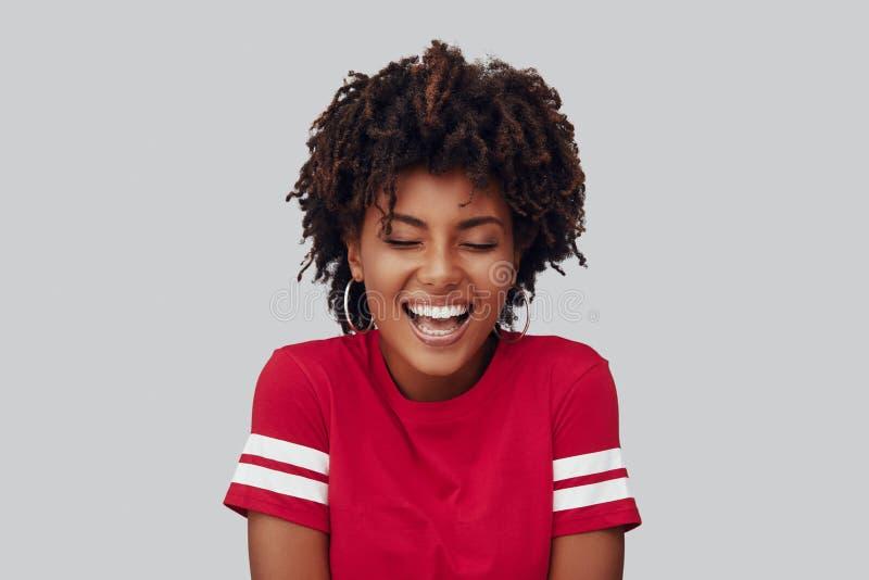 Aantrekkelijke jonge Afrikaanse vrouw stock afbeeldingen