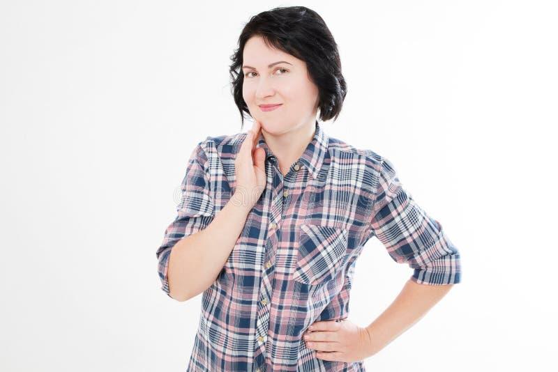 Aantrekkelijke Midden Oude die Vrouwenglimlachen op wit worden geïsoleerd stock foto's