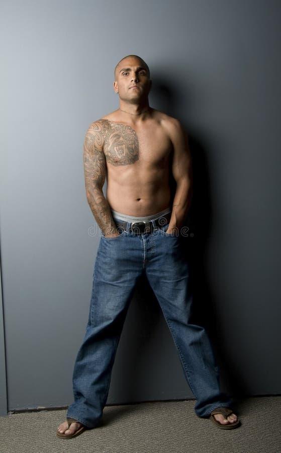 Aantrekkelijke Shirtless Jonge Mens stock fotografie