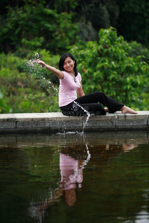 Aantrekkelijke Vrouw die Pret heeft royalty-vrije stock foto