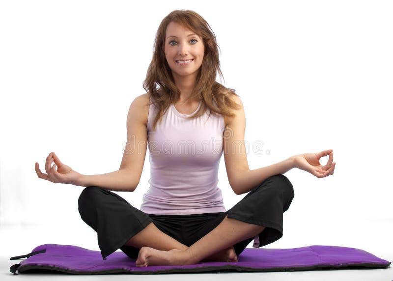 Aantrekkelijke yogavrouw stock afbeeldingen