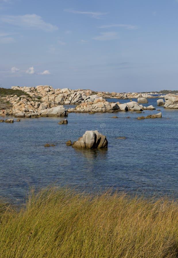Aantrekkend vormen van de Eilanden Lavezzi zeebonifacio, Zuidelijk Corsica, Frankrijk royalty-vrije stock foto's