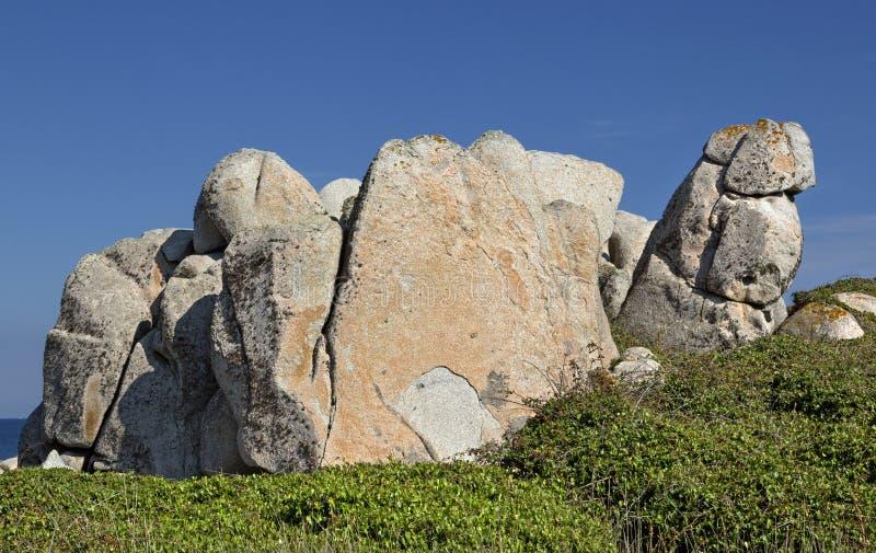 Aantrekkend vormen van de Eilanden Lavezzi zeebonifacio, Zuidelijk Corsica, Frankrijk stock foto's