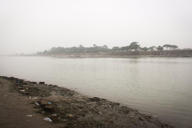 Aanzicht op de Brahmaputra-rivier in Mymensingh royalty-vrije stock foto's