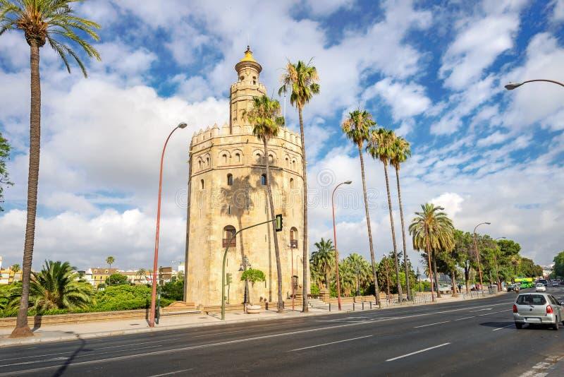 Aanzicht op de Torre del Oro-toren van de Gold-toren in Sevilla Andalusië, Spanje royalty-vrije stock foto's