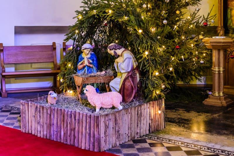aard Baby Jesus in de Bethlehem trog, Maagdelijke Mary en St Joseph Kathedraal van Heiligen Peter en Paul in Moskou Rusland stock afbeeldingen