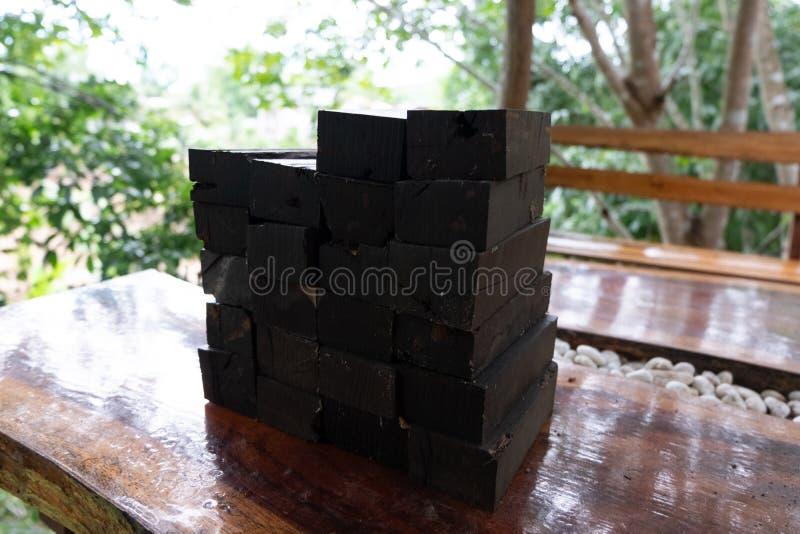 Aard zwart ebbehout stock foto's
