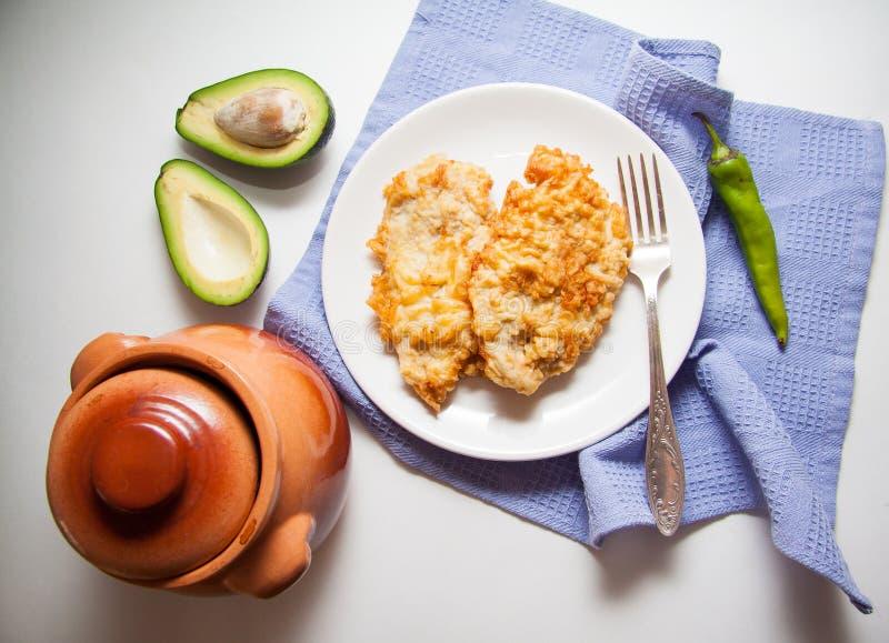 Aardappel en knapperige kip stock afbeelding